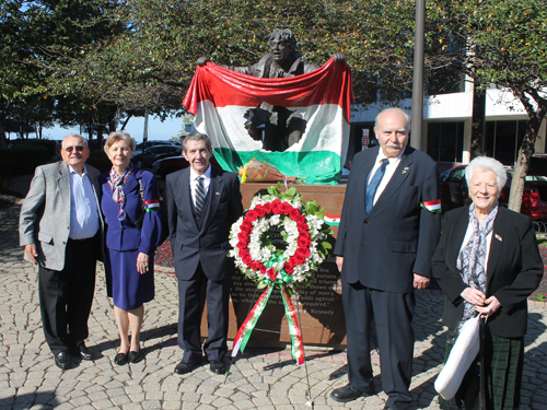 Hungarian 1956ers at Freedom Fighter statue: Jim Balogh, Edith Lauer, Steve Kekedy, Thomas Ratoni-Nagy, Ilona Balassy